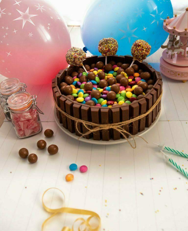 gateau anniversaire garçon fille 2 ans coloré bonbons